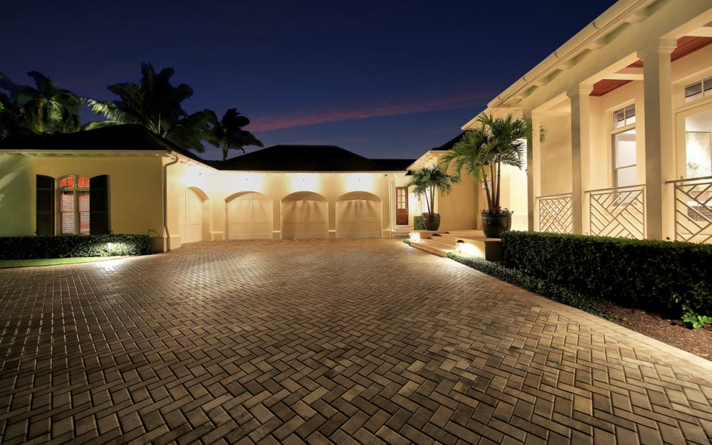 1203 Spyglass Ln, Naples - Luxury Gulf Access Home For Sale 1868284512