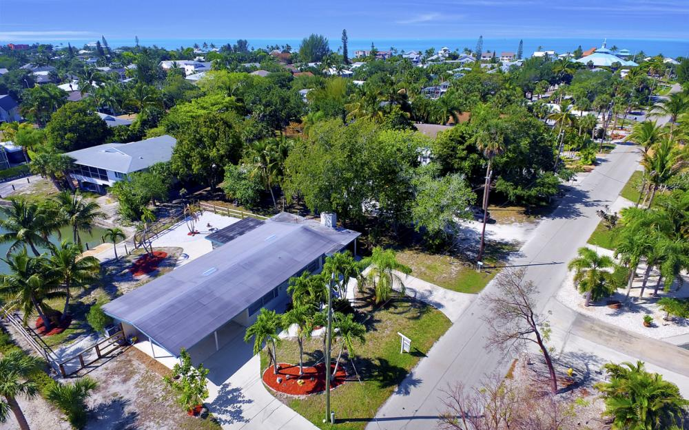 410 Connecticut St, Fort Myers Beach - Home For Sale 257225771