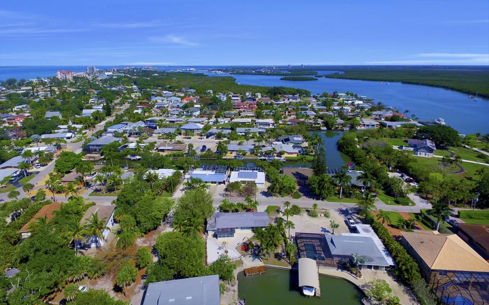 410 Connecticut St, Fort Myers Beach - Home For Sale 952314642