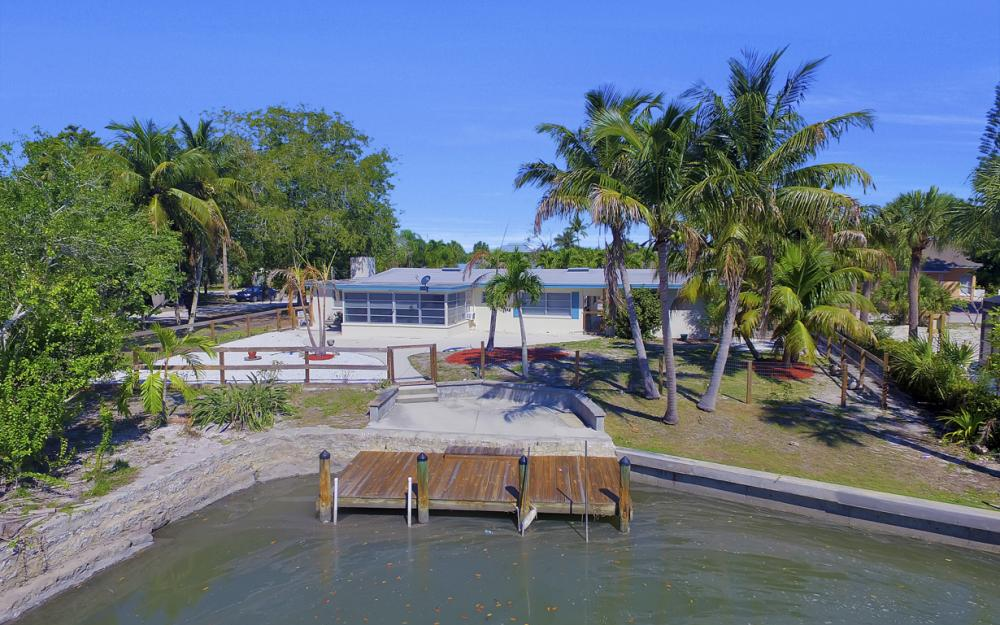 410 Connecticut St, Fort Myers Beach - Home For Sale 167907645
