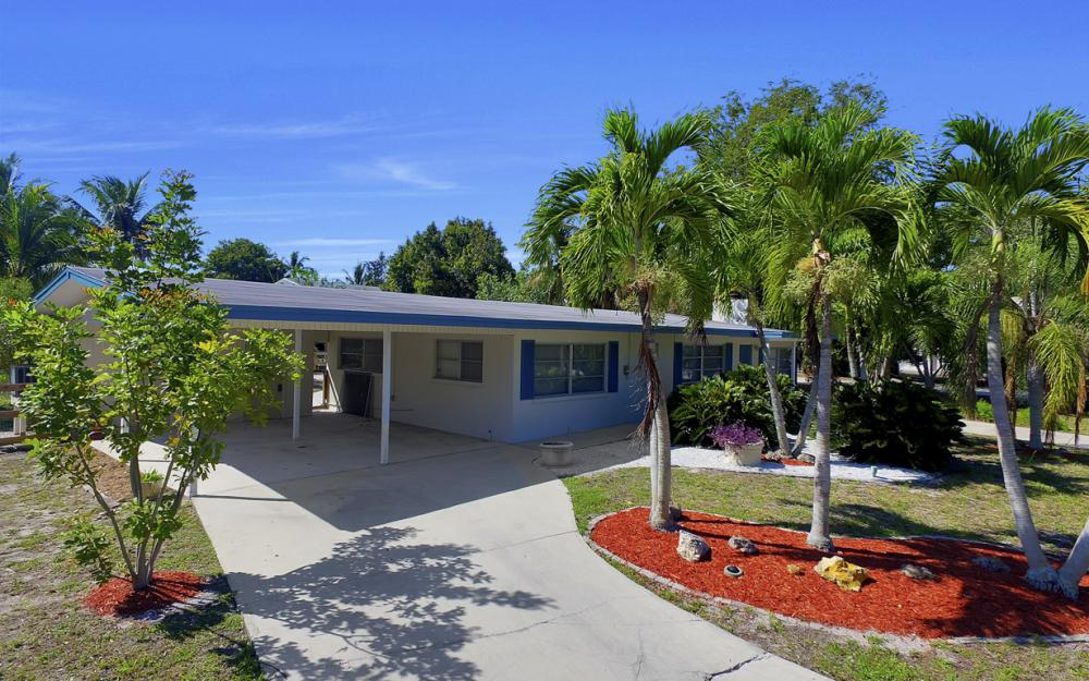 410 Connecticut St, Fort Myers Beach - Home For Sale 1124990257