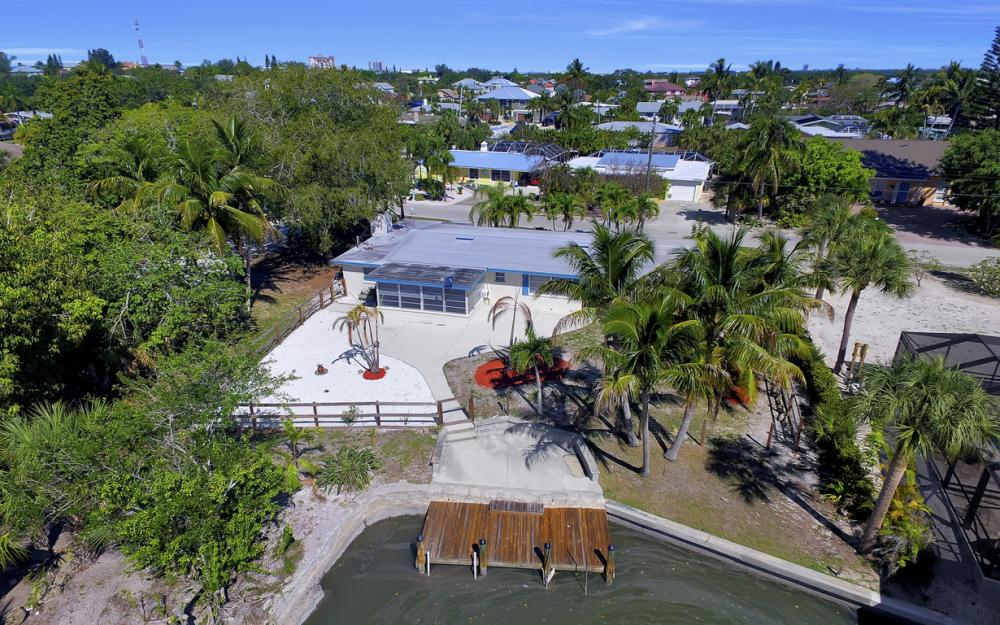 410 Connecticut St, Fort Myers Beach - Home For Sale 1197716061
