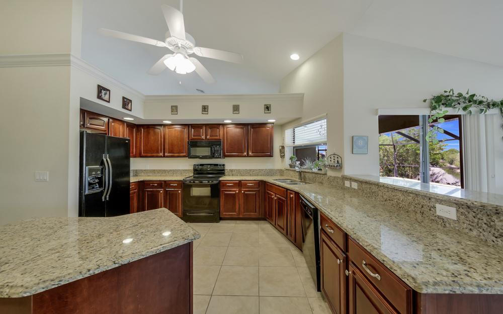 411 NE 5th Terrace, Cape Coral - Home For Sale 1936609296