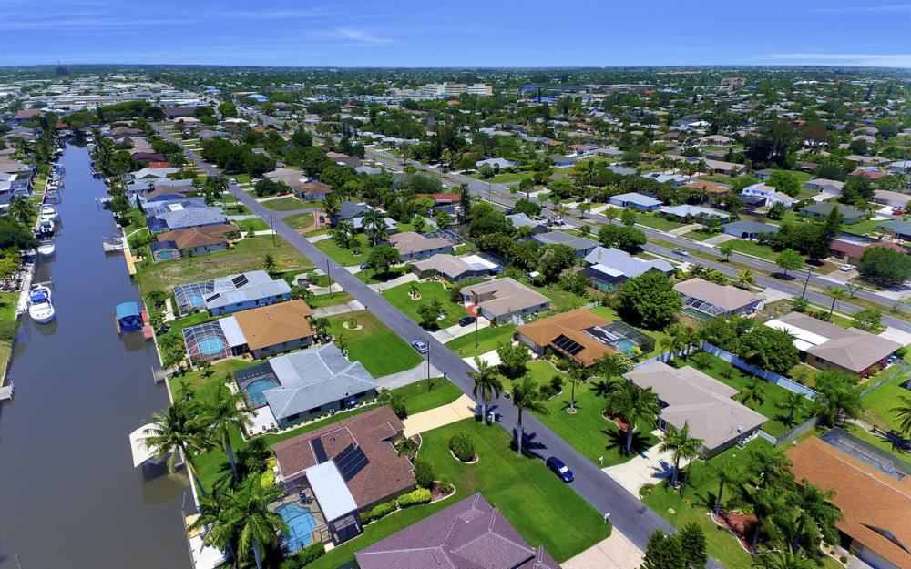 1916 SE 9th Terr, Cape Coral - Vacation Rental 1632040315