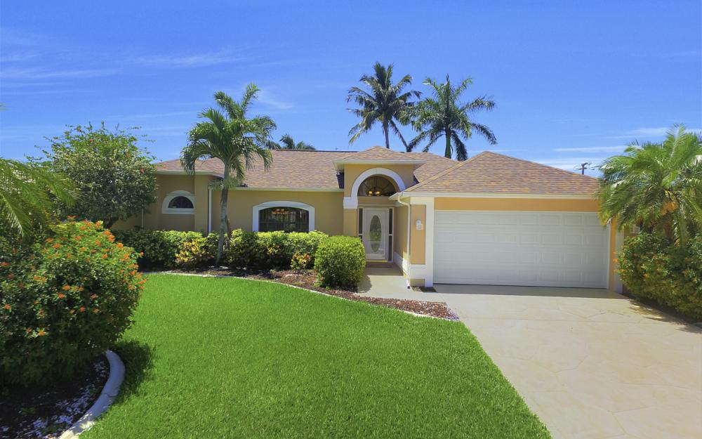 1916 SE 9th Terr, Cape Coral - Vacation Rental 1029996445