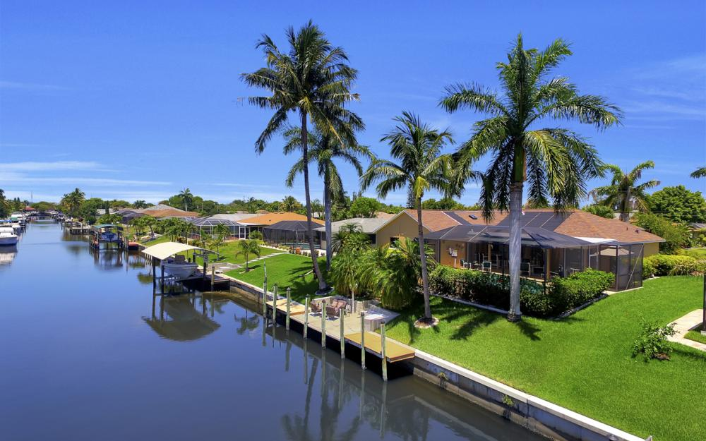 1916 SE 9th Terr, Cape Coral - Vacation Rental 409359433