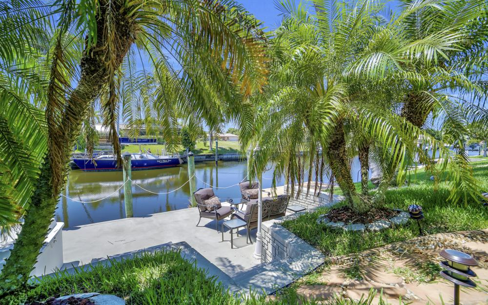 1916 SE 9th Terr, Cape Coral - Vacation Rental 1672052075