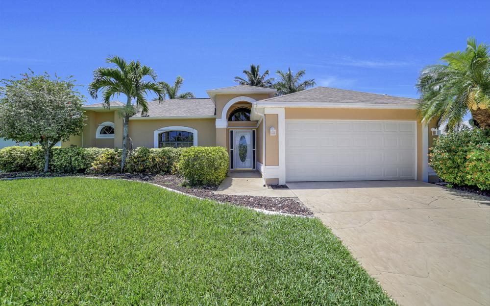 1916 SE 9th Terr, Cape Coral - Vacation Rental 1939066034