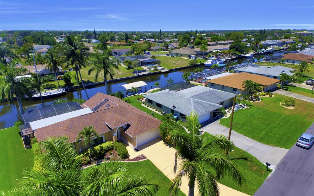 1916 SE 9th Terr, Cape Coral - Vacation Rental 651852651