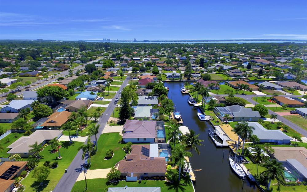 1916 SE 9th Terr, Cape Coral - Vacation Rental 324050412