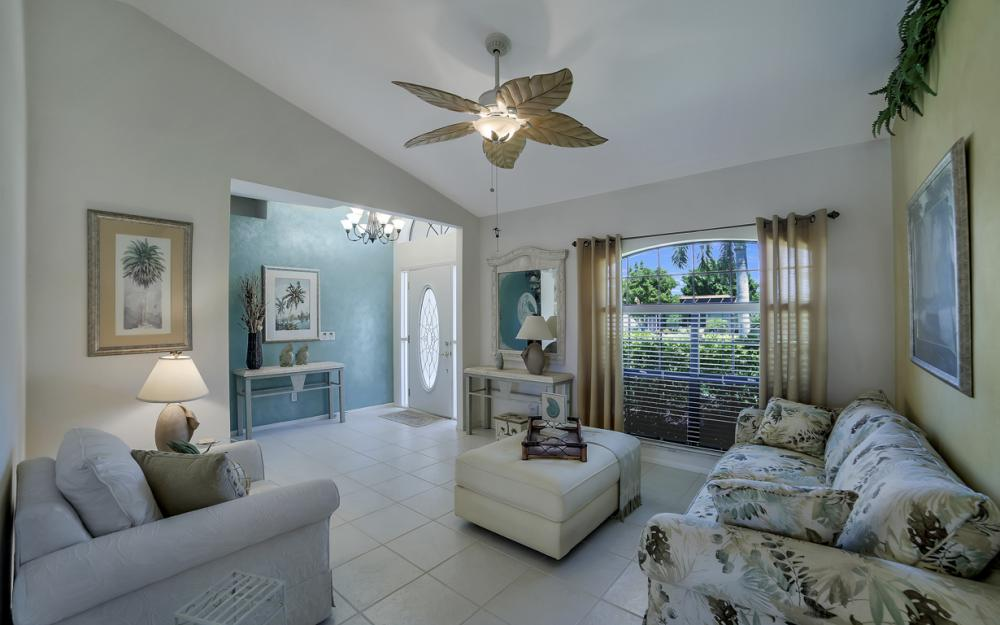 1916 SE 9th Terr, Cape Coral - Vacation Rental 320911568