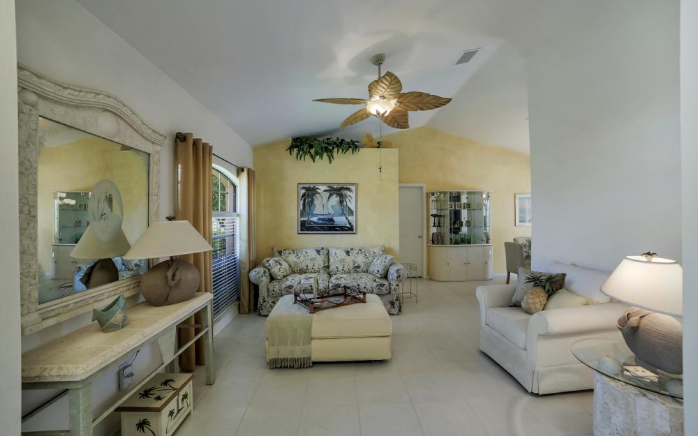 1916 SE 9th Terr, Cape Coral - Vacation Rental 63611110