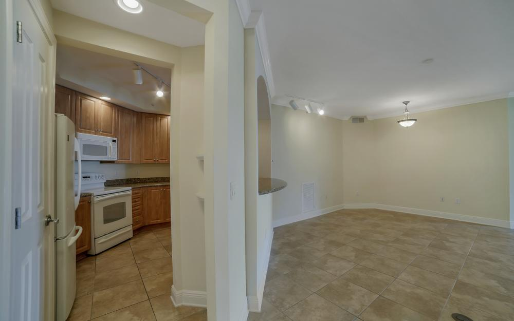 2825 Palm Beach Blvd # 608, Fort Myers - Condo For Sale 268361986