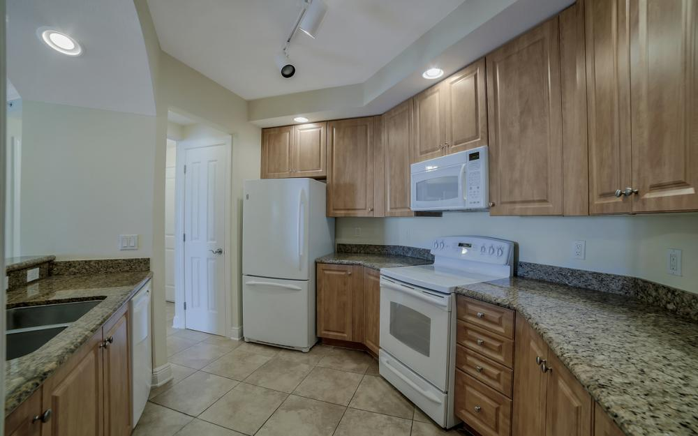2825 Palm Beach Blvd # 608, Fort Myers - Condo For Sale 2089272986