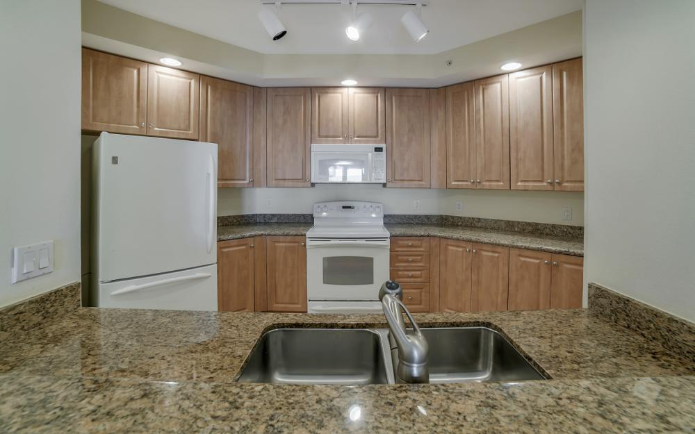2825 Palm Beach Blvd # 608, Fort Myers - Condo For Sale 768322065