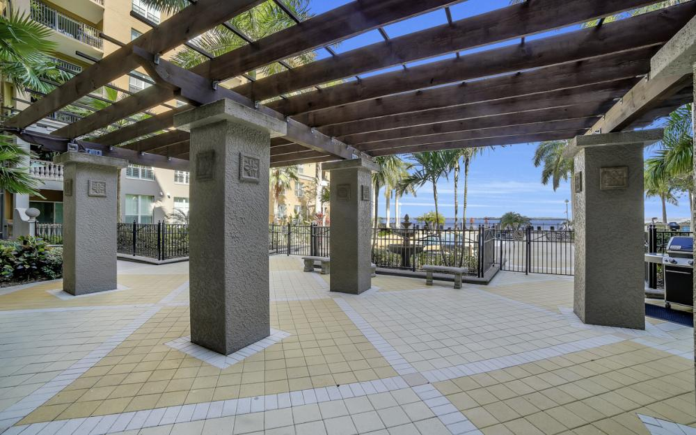 2825 Palm Beach Blvd # 608, Fort Myers - Condo For Sale 634809961