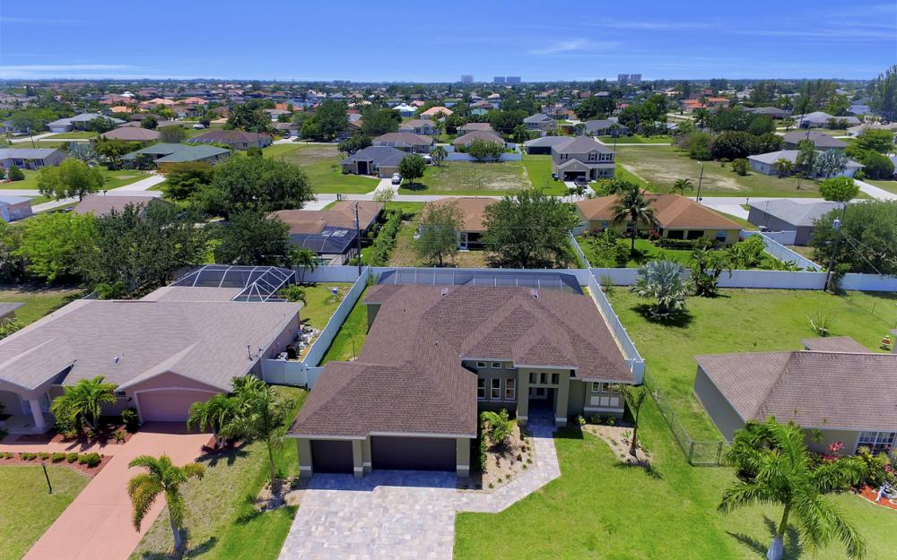 1140 SW 41st St, Cape Coral - Home For Sale 2124911415
