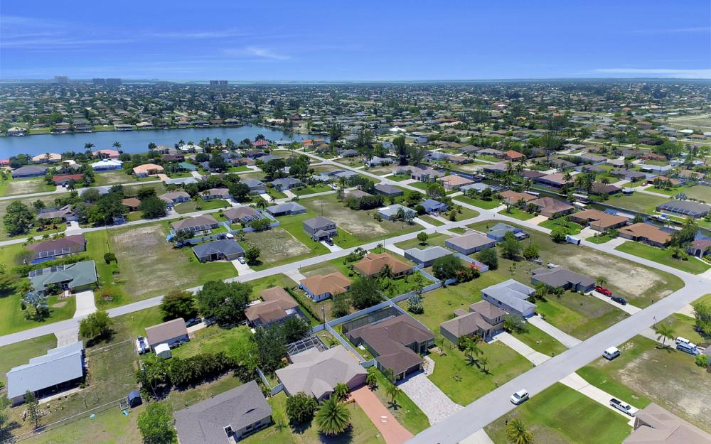 1140 SW 41st St, Cape Coral - Home For Sale 1800233624