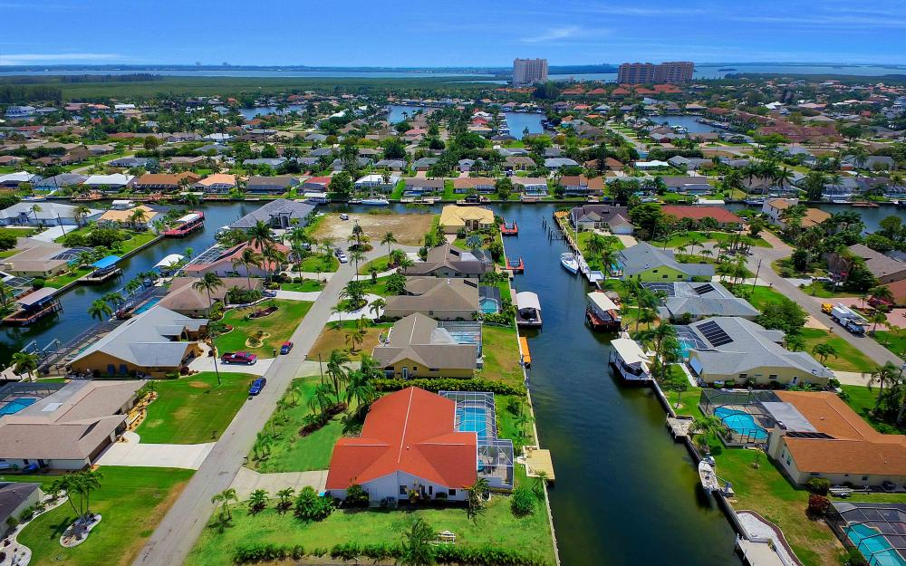 5324 SW 11th Ave, Cape Coral - Vacation Rental 1327798696