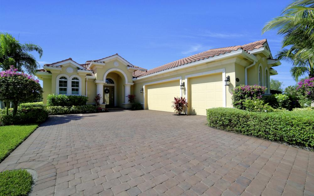 9337 Campanile Cir, Naples - Home For Sale 1130493603