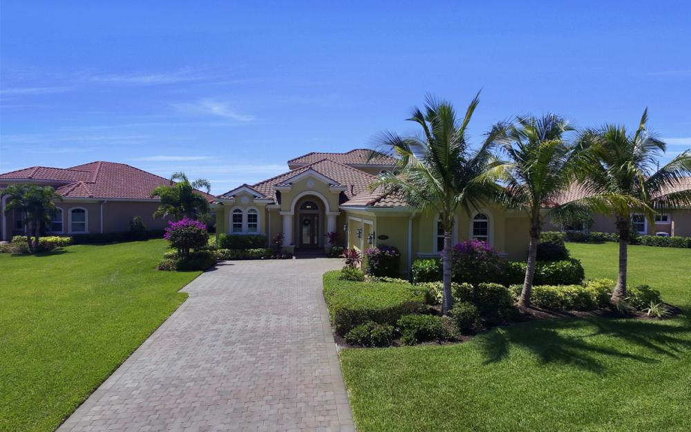 9337 Campanile Cir, Naples - Home For Sale 835427758