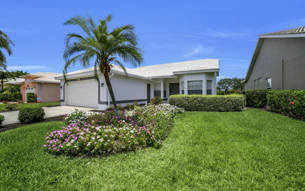 9241 Old Hickory Cir, Fort Myers - Home For Sale 2067619522