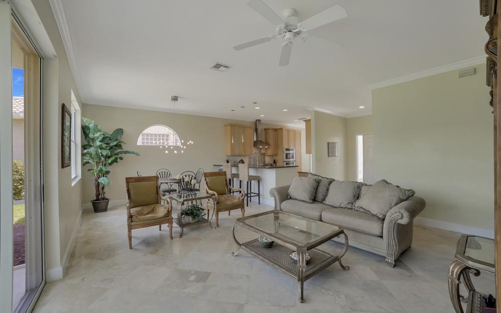 9241 Old Hickory Cir, Fort Myers - Home For Sale 592693907