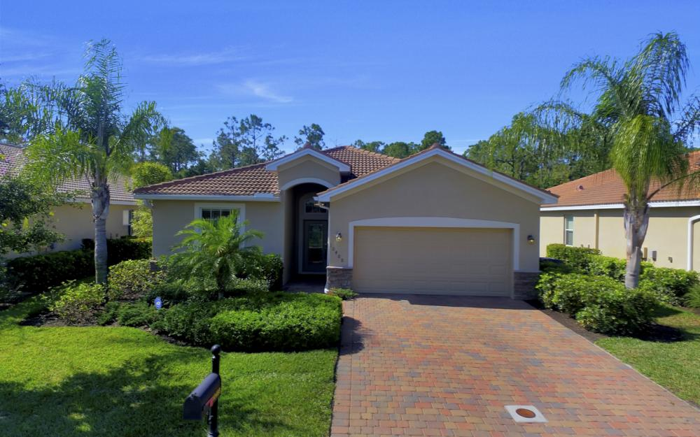 10488 Yorkstone Dr, Bonita Springs - Home For Sale 1051352634
