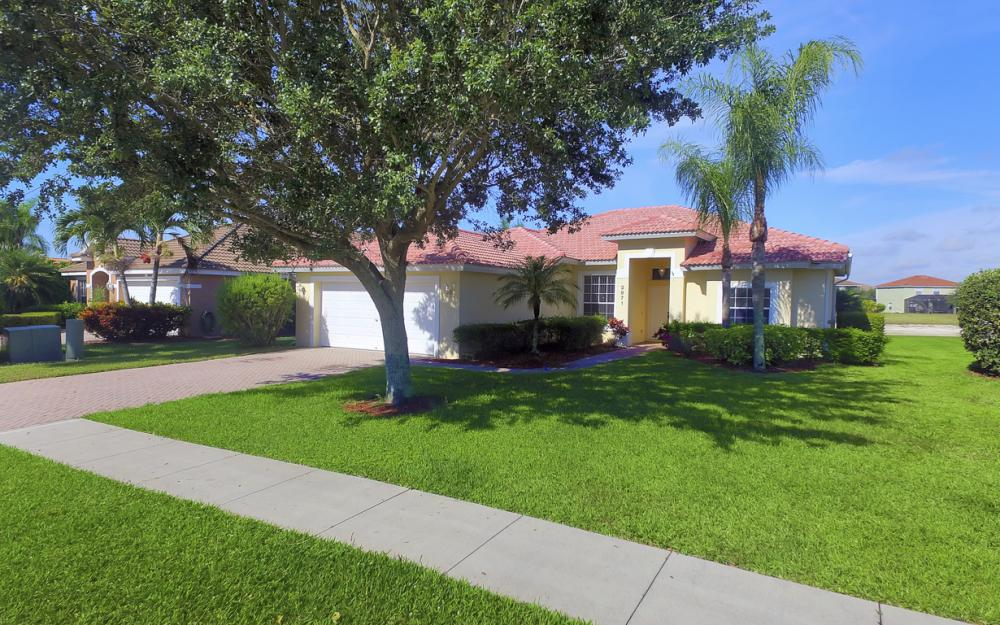 2871 Orange Grove Trail, Naples - Home For Sale 1487754124