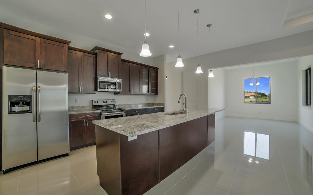 25 SW 21st St, Cape Coral - Home For Sale 355646117