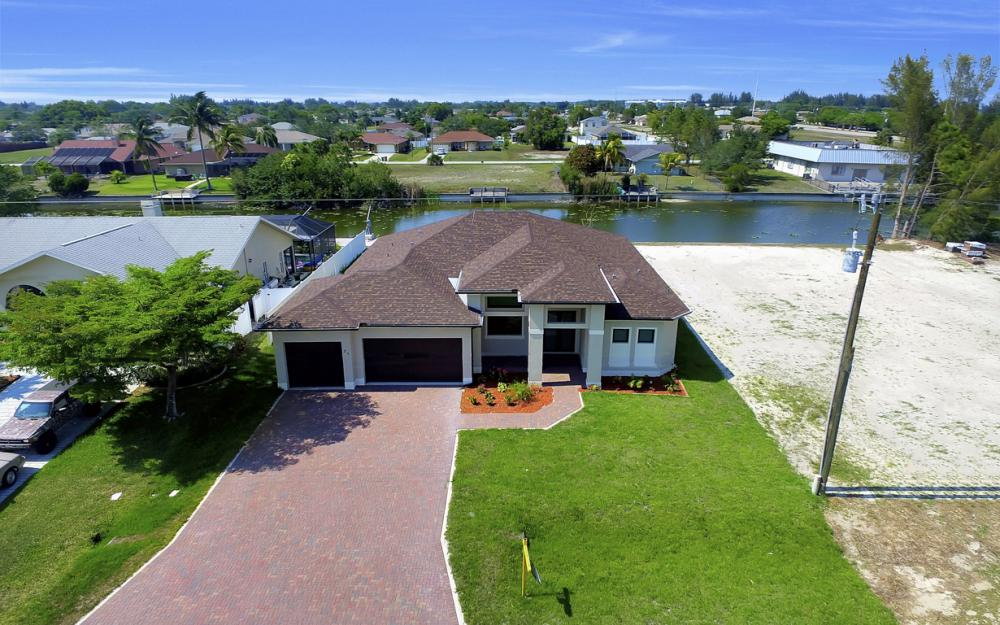 25 SW 21st St, Cape Coral - Home For Sale 1108465607