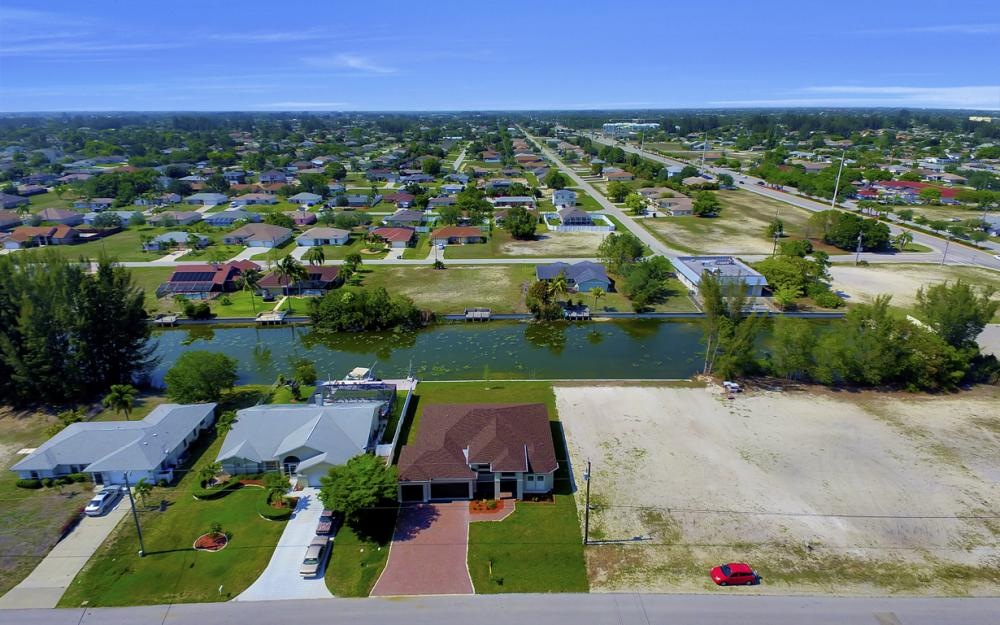 25 SW 21st St, Cape Coral - Home For Sale 44835707