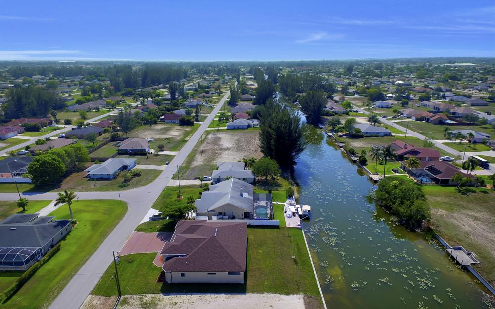25 SW 21st St, Cape Coral - Home For Sale 895208631