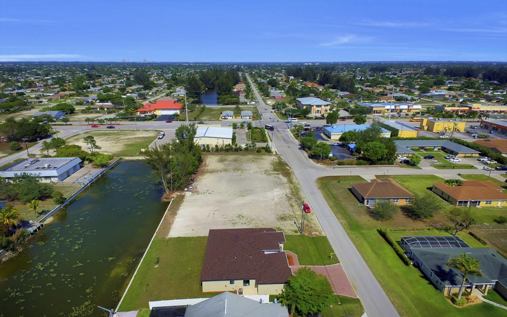 25 SW 21st St, Cape Coral - Home For Sale 1809083957