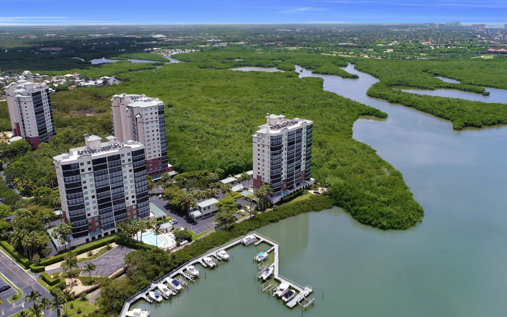 425 Cove Tower Dr, Unit #502, Naples - Condo For Sale 1963085016