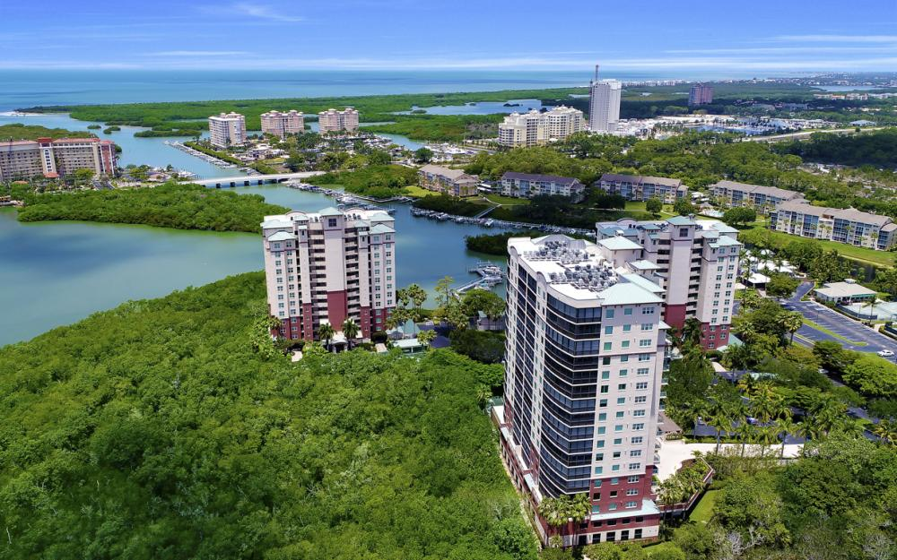425 Cove Tower Dr, Unit #502, Naples - Condo For Sale 703808142