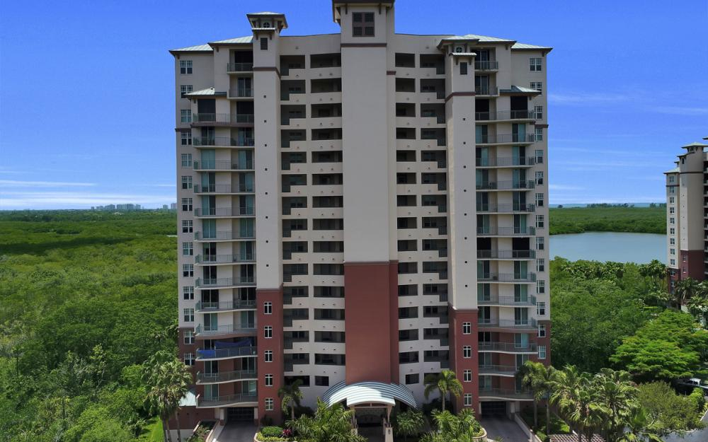 425 Cove Tower Dr, Unit #502, Naples - Condo For Sale 816297137