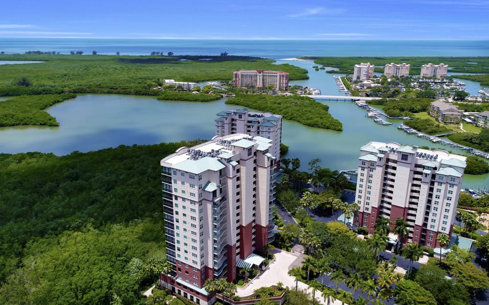 425 Cove Tower Dr, Unit #502, Naples - Condo For Sale 301273247