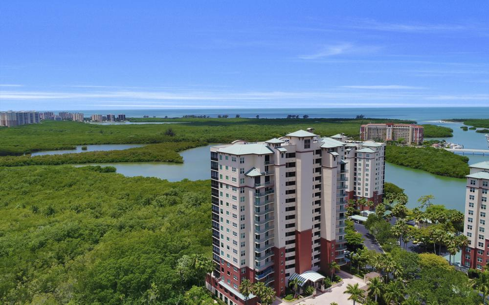 425 Cove Tower Dr, Unit #502, Naples - Condo For Sale 676365275