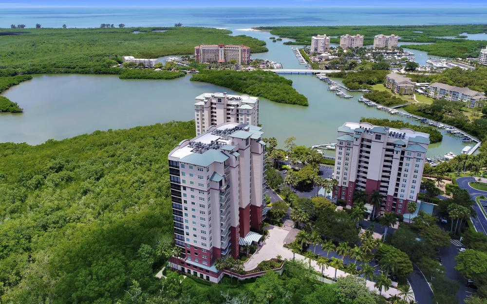 425 Cove Tower Dr, Unit #502, Naples - Condo For Sale 845901058