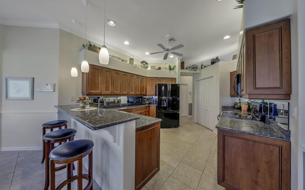 14370 Hickory Fairway Ct, Fort Myers - Home For Sale 577596382