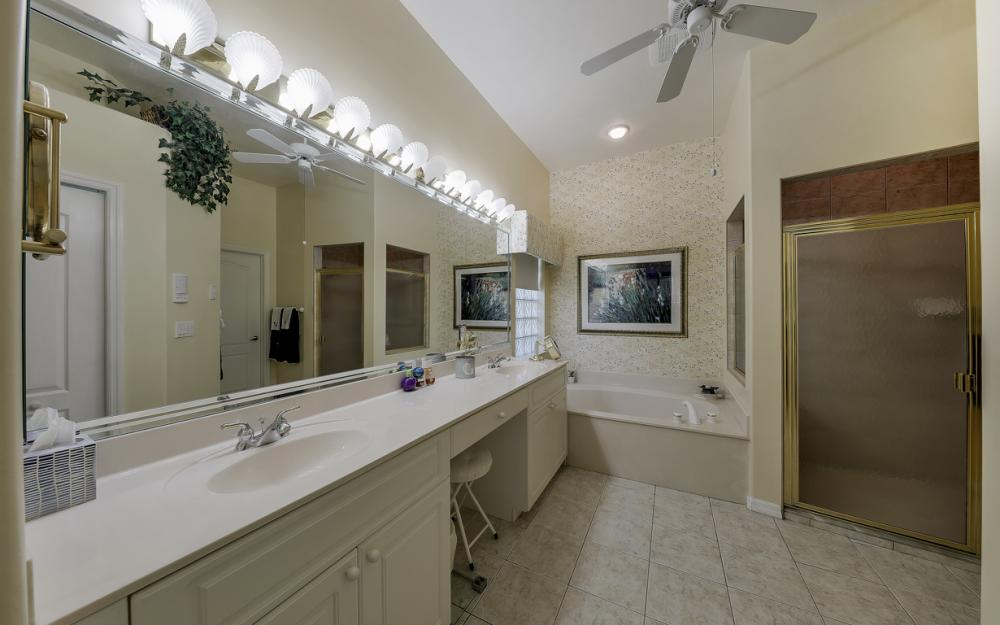 14370 Hickory Fairway Ct, Fort Myers - Home For Sale 1769326037