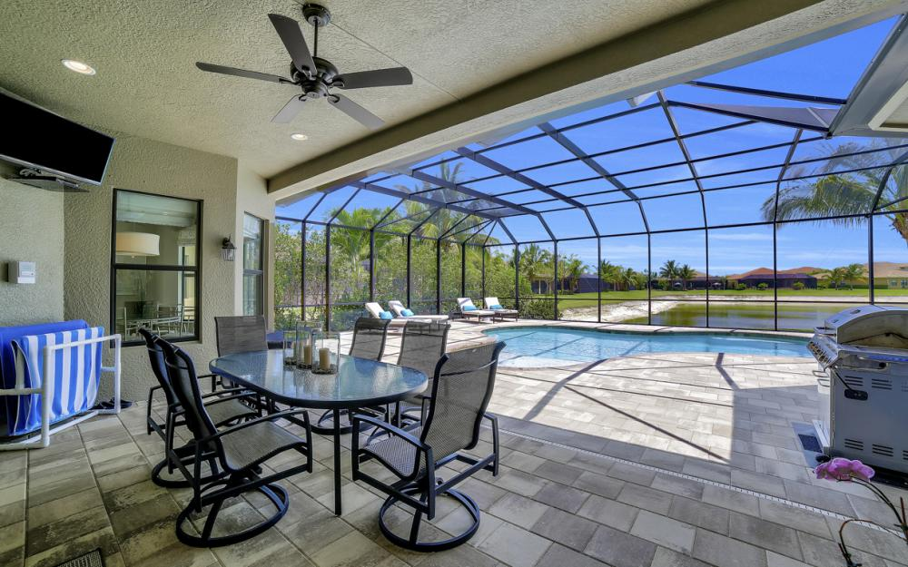 3990 Bering Ct, Naples - Home For Sale 596131810