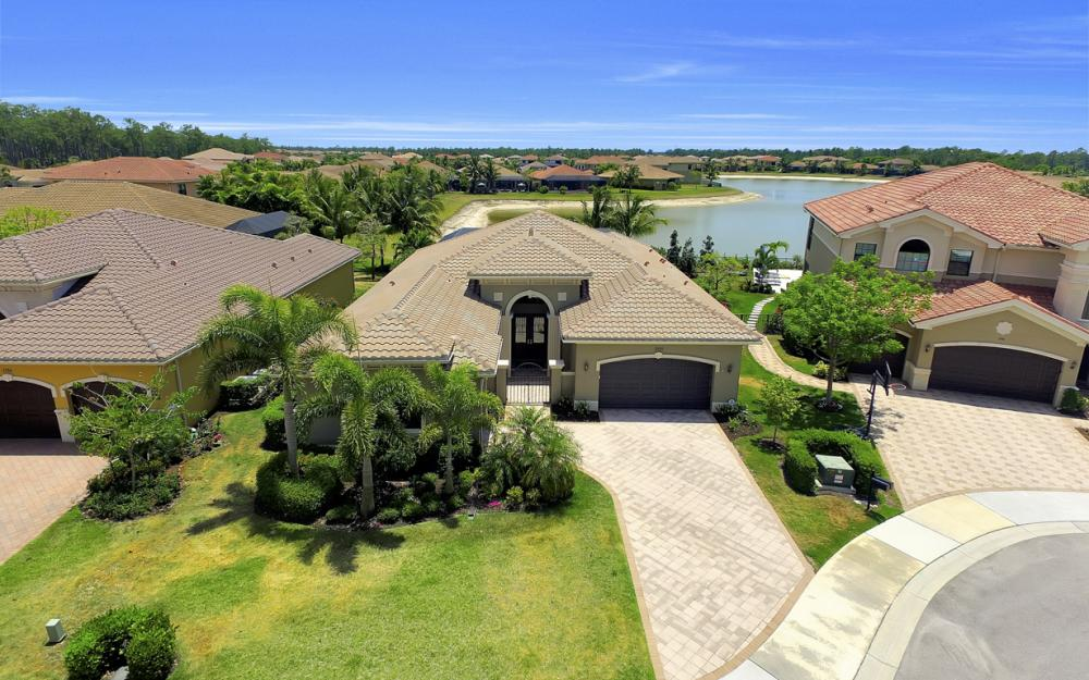 3990 Bering Ct, Naples - Home For Sale 858357624