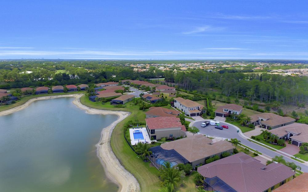 3990 Bering Ct, Naples - Home For Sale 259846027