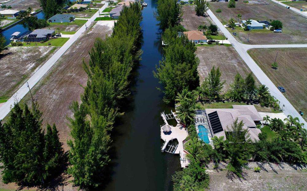 1638 NW 38th Pl, Cape Coral - Vacation Rental 2089382964
