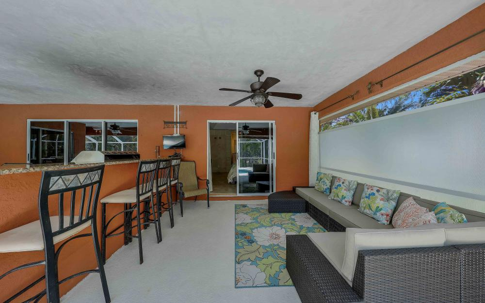 1638 NW 38th Pl, Cape Coral - Vacation Rental 424567145