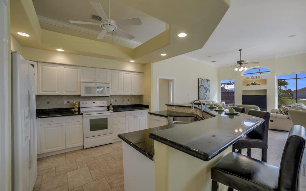 1221 Stone Ct, Marco Island - Home For Sale 660678416