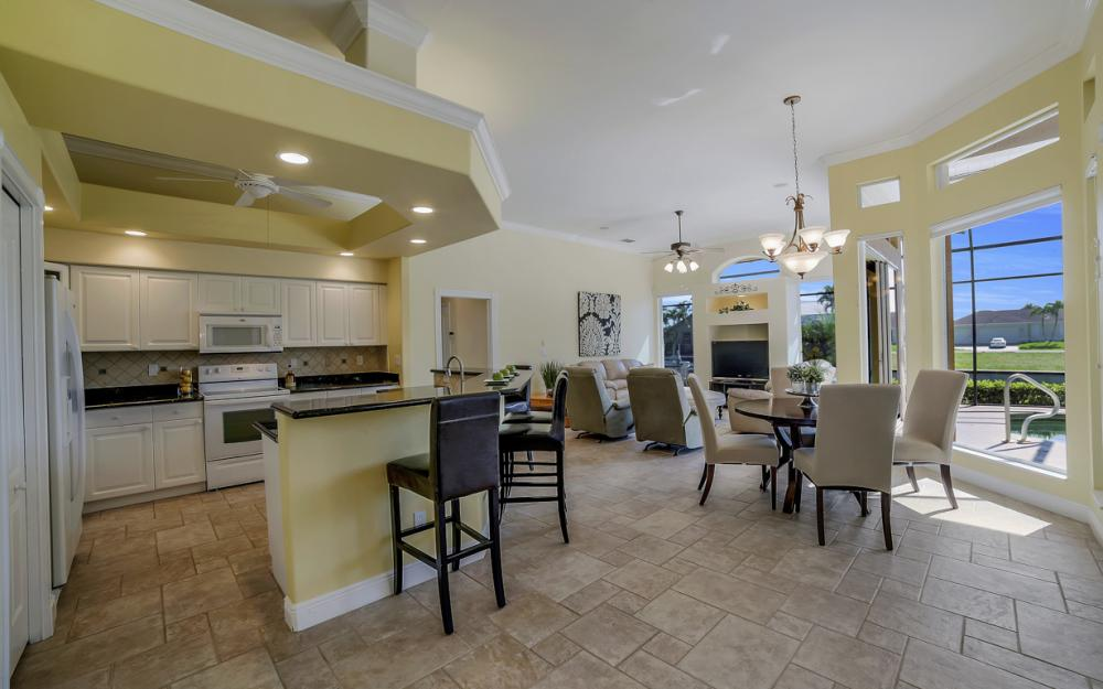 1221 Stone Ct, Marco Island - Home For Sale 422933220