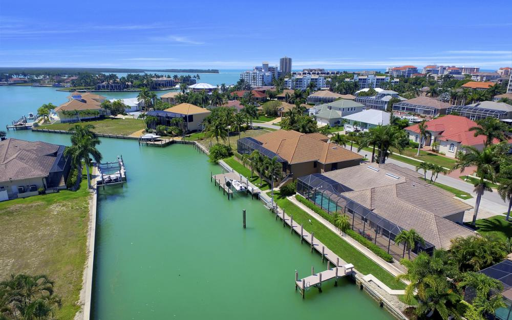 1221 Stone Ct, Marco Island - Home For Sale 1251808605